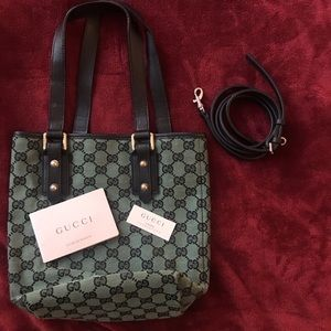 Gucci Hand/Side bag. Green with black.